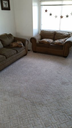 House that Needs Carpet Cleaning Service